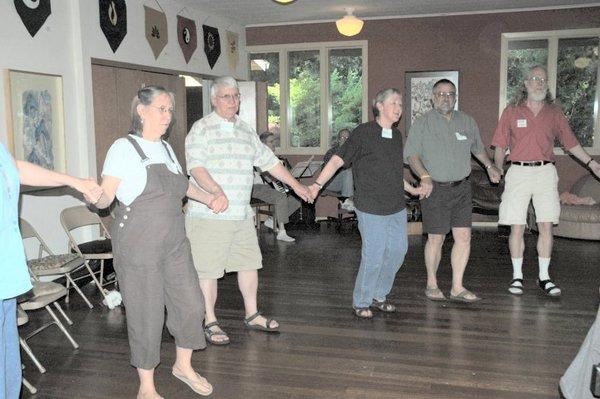 dancing-still